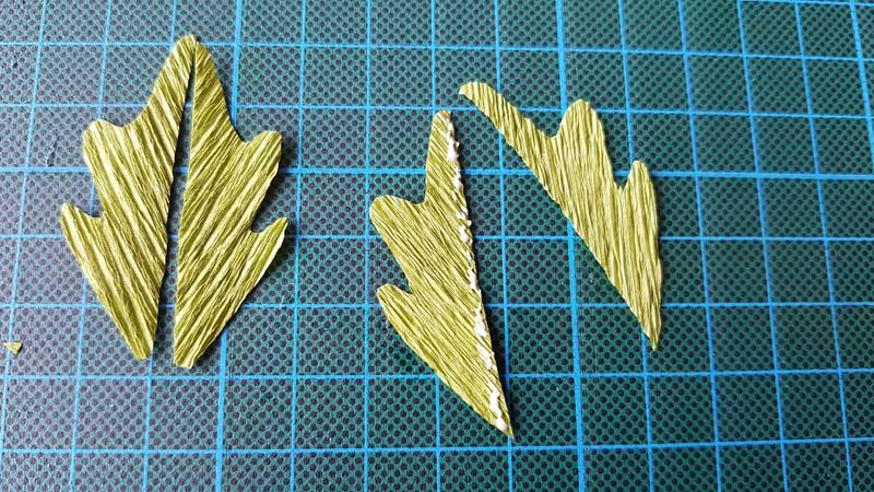 papieren-bloemen-handleiding-margriet-crepepapier-stengelbladeren