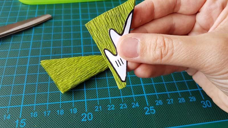 papieren-bloemen-handleiding-margriet-crepepapier-kniptip