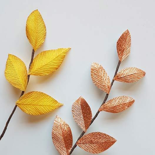 herfstbladeren-van-crêpepapier-diy-tutorial-alternatief-takje