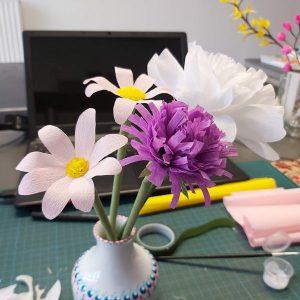 papieren-bloemen-papieren-rietjes-crêpepapier-kinderen-knutselen
