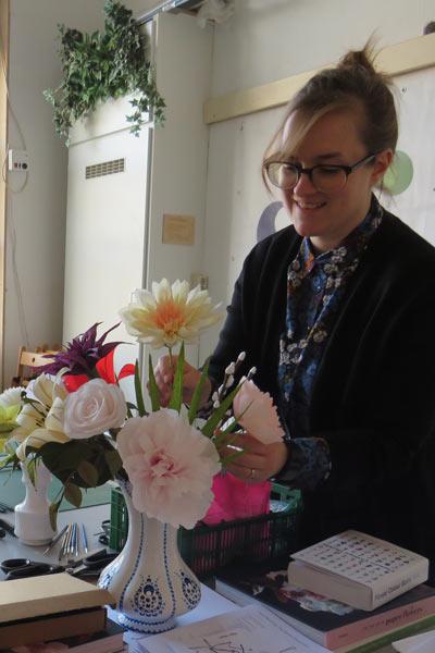 emily-papieren-bloemen-verticaal