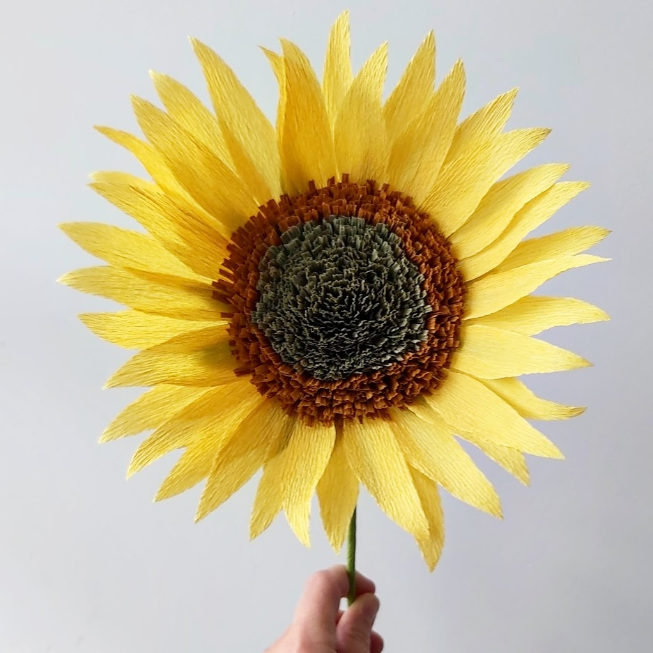 zonnebloem van crêpepapier papieren bloemen