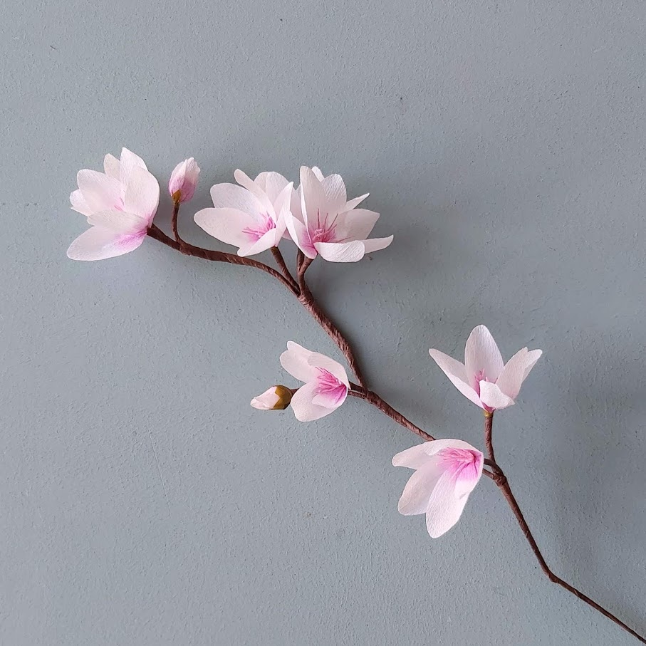 bloesemtak papieren bloemen crêpepapier